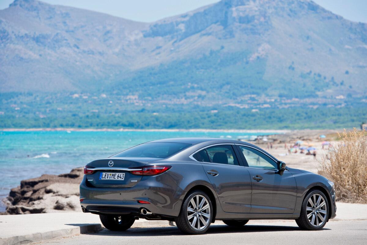 Стали відомі останні новини про Mazda 6 2022 року
