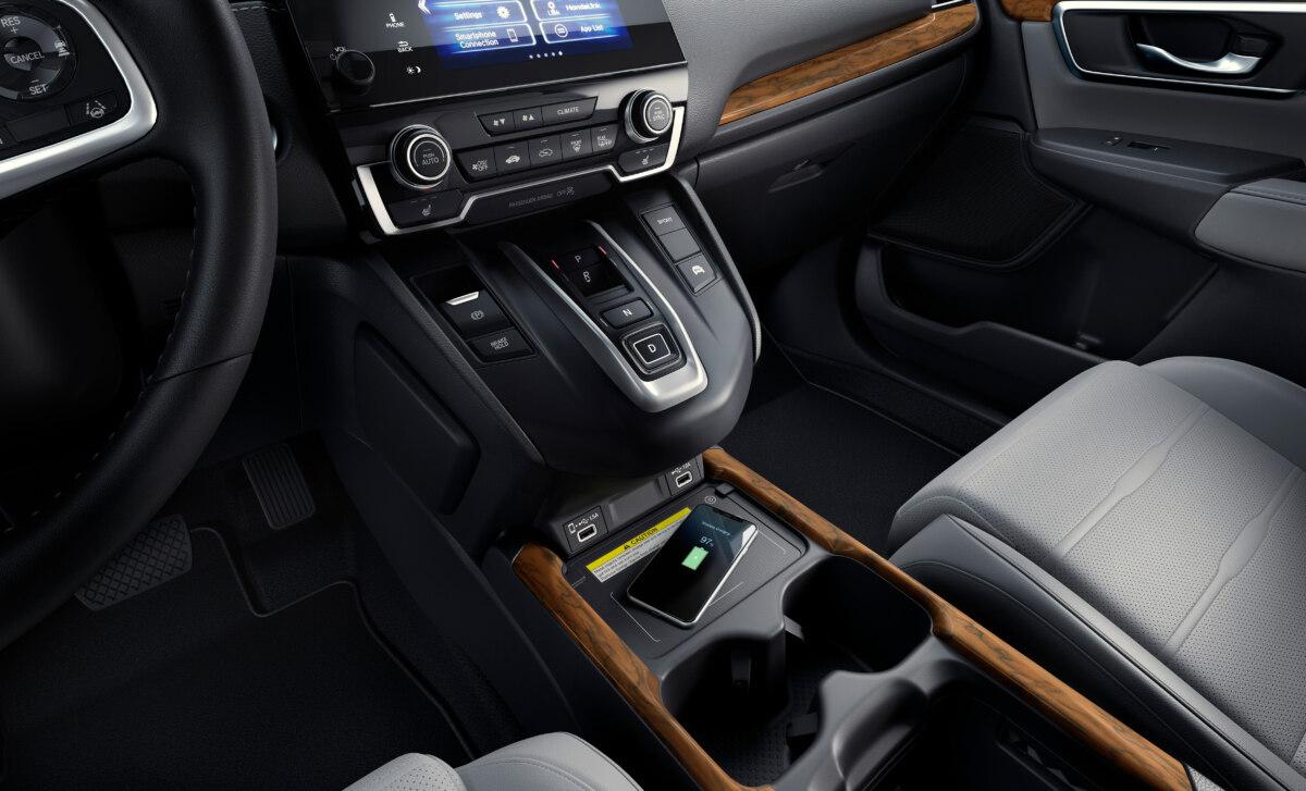Toyota Camry Hybrid или Honda Accord Hybrid: битва гибридных седанов | Krosavto.ru