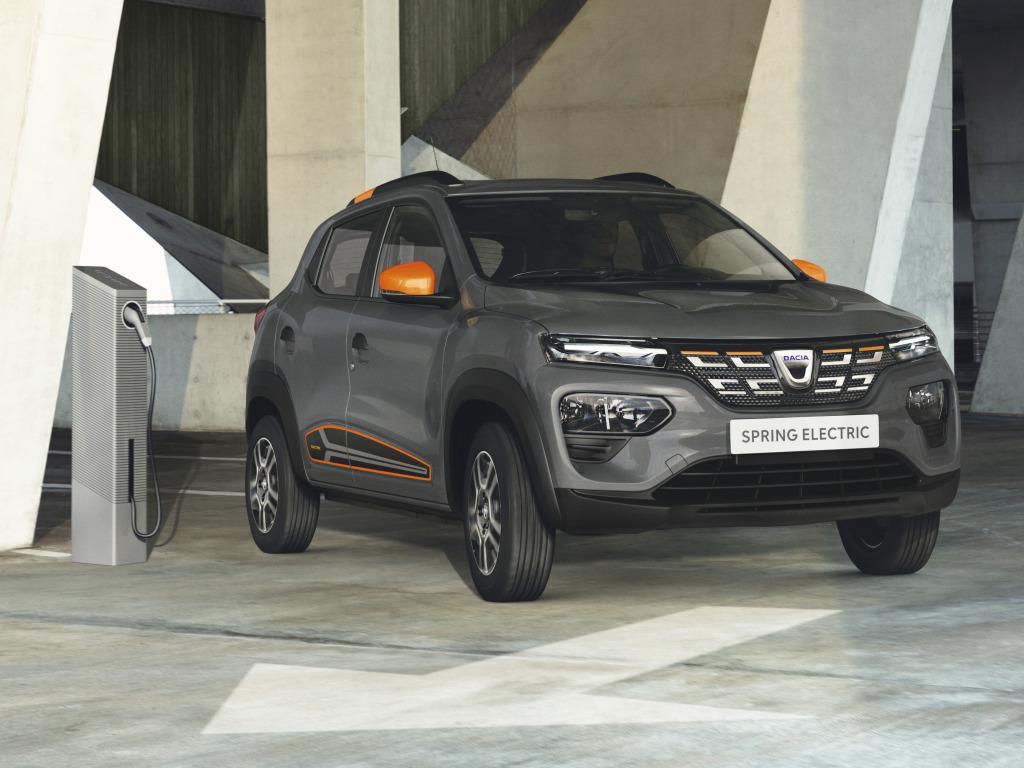 Технологичный аналог Sandero превратили в коммерческий автомобиль: озвучены характеристики Dacia Spring Cargo